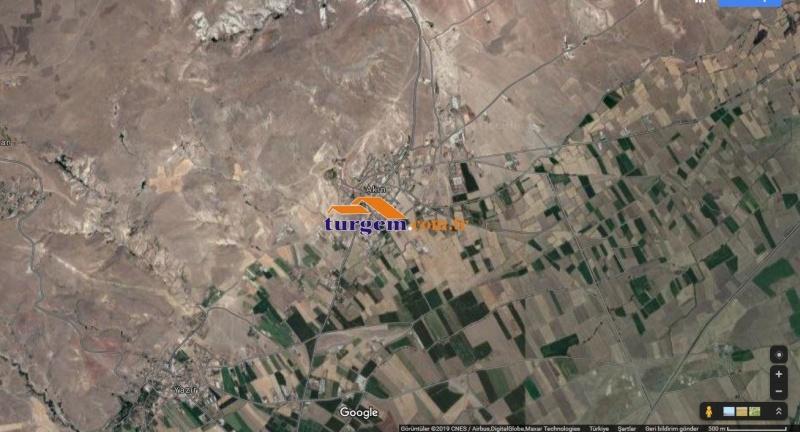 AKİN'DE 1.734 M2 YOLU MEVCUT SATILIK TARLA V 10267